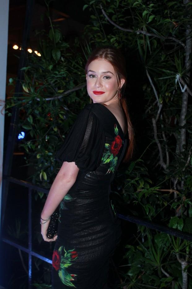 EGO - Marina Ruy Barbosa aposta em visual grifado em festa de novela ... 4939c568a9