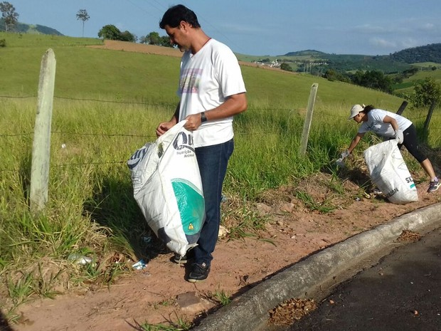 Moradores participam da 2ª edição do Mutirão de combate ao Aedes aegypti em Monte Sião (MG) (Foto: Reprodução/Prefeitura Municipal de Monte Sião)