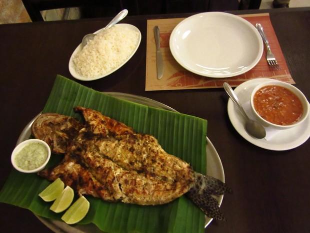 Como sugestão do cozinheiro, o pintado pode ser servido acompanhado de arroz branco e pirão (Foto: Larissa Santos/ G1)