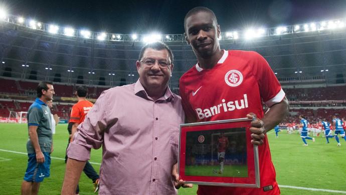 Internacional x Cruzeiro-RS Beira-Rio Juan 100 jogos Juan cem jogos (Foto: Alexandre Lops/Internacional)