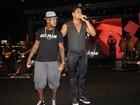 Ne-Yo canta com Xanddy em show do Harmonia do Samba