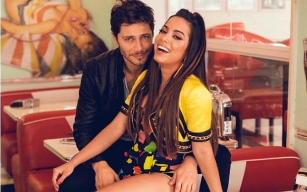 Anitta gravou o clipe ao lado do ator André Bankoff na Vila Madalena, em São Paulo (Foto: Eduardo Bravin/Divulgação)