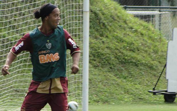 ronaldinho gaúcho atlético-mg (Foto: Fernando Martins/Globoesporte.com)