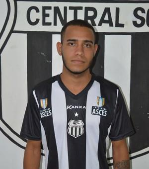 Matheus Cunha, meia ex-Central (Foto: Vital Florêncio / Assessoria Central)