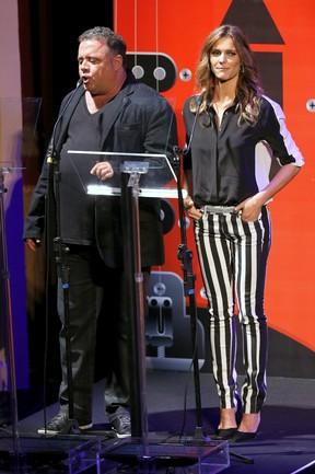 Fernanda Lima e  Leo Jaime em premiação no Rio (Foto: Roberto Filho/ Ag. News)