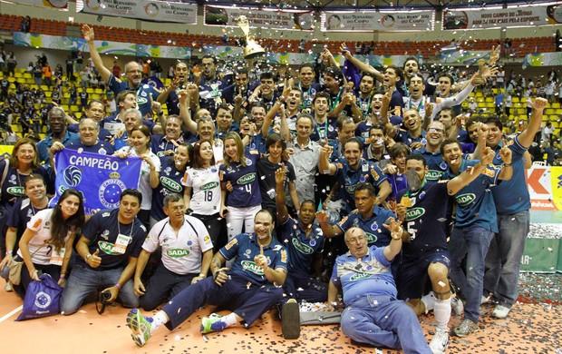 vôlei Cruzeiro campeão (Foto: Gustavo Tilio / Globoesporte.com)