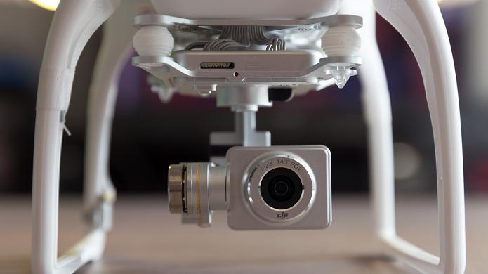 Drone tem câmera HD embutida (Foto: Reprodução/Tested)