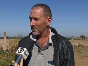 Pai de motorista da caminhonete atingida durante acidente em Mogi Mirim, SP (Foto: Reprodução / EPTV)