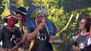 Índios fulni-ô mostram plantas curativas utilizadas na tribo e fazem pajelança