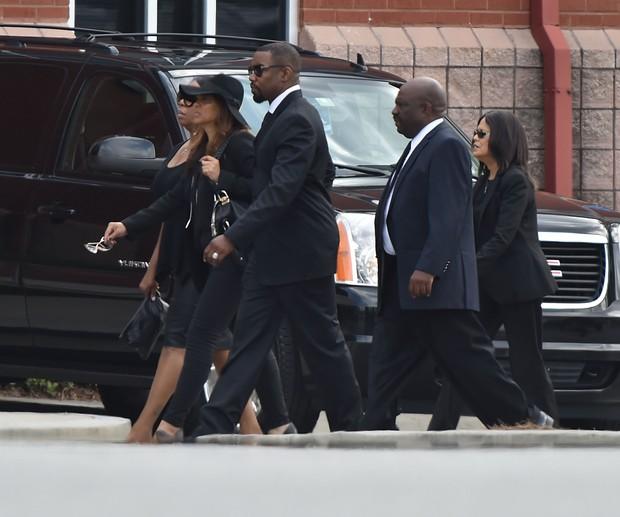 Ator Michael Jai White e familiares vão ao funeral de Bobbi Kristina (Foto: Paras Griffin / GETTY IMAGES NORTH AMERICA / AFP)
