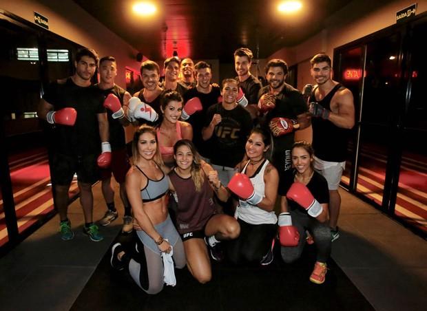 Aula exclusiva de parceria de QUEM com UFC Brasil reuniu famosos e lutadores (Foto: Thiago Bernardes)