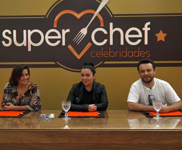 Deborah ao lado dos chefs Ludmilla Soeiro e Thomas Trogois (Foto: Raphael Dias/Gshow)