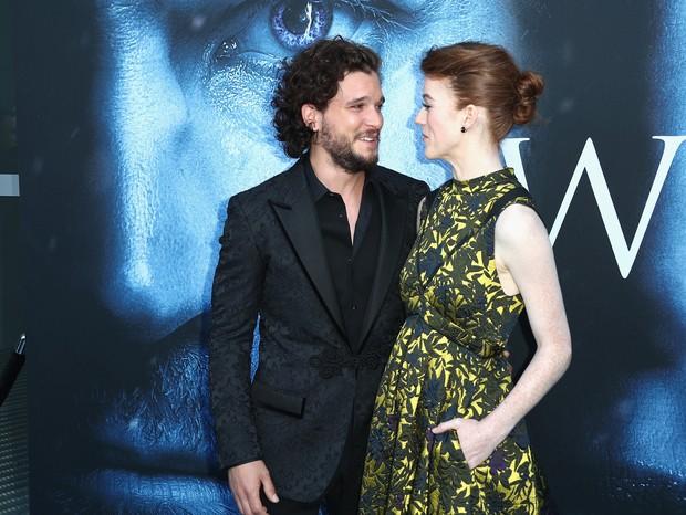 Kit Harrington e Leslie Rose (Foto: Getty Images)