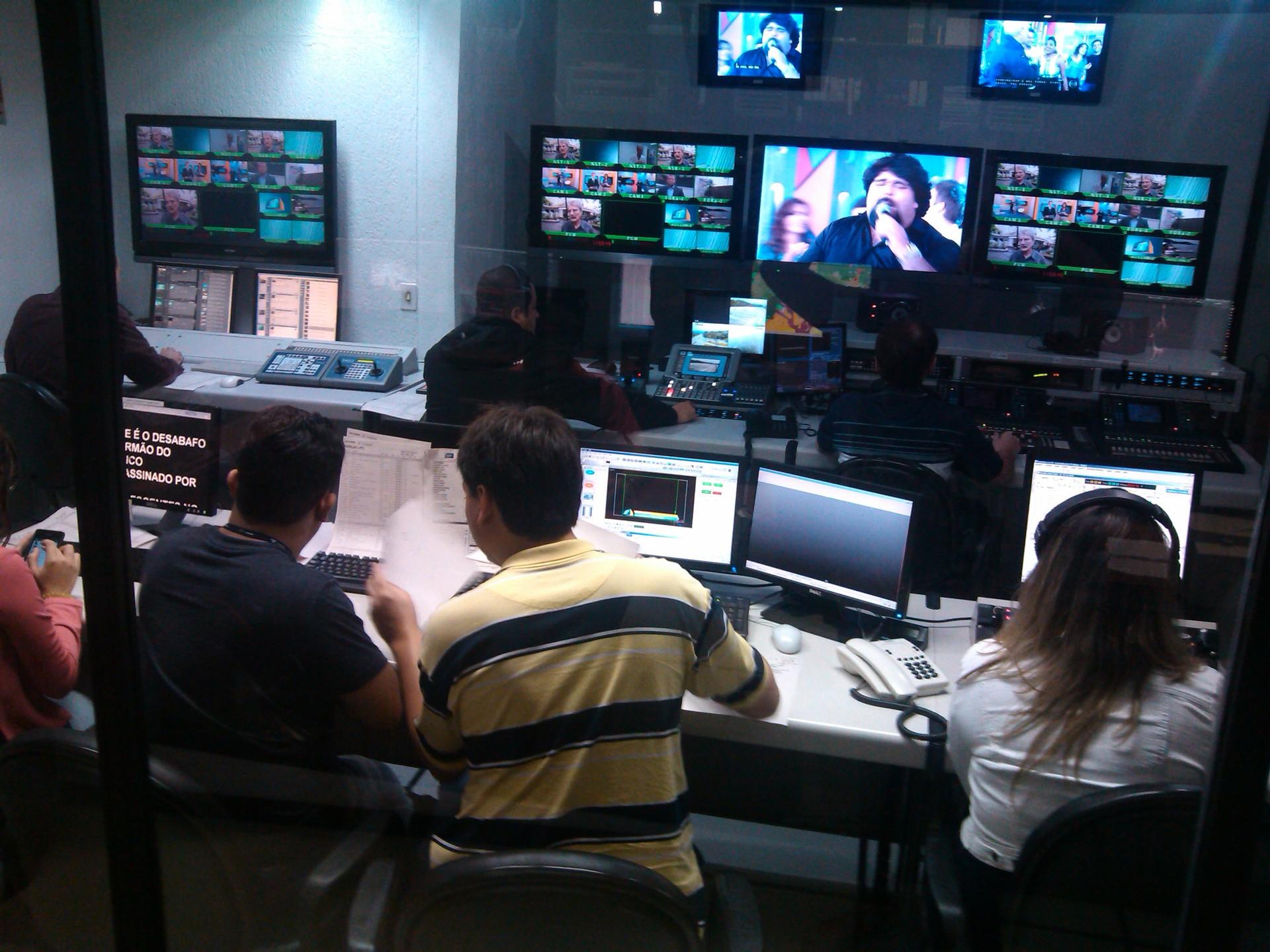 Switcher da TV Tribuna (Foto: Izabella de Paula)