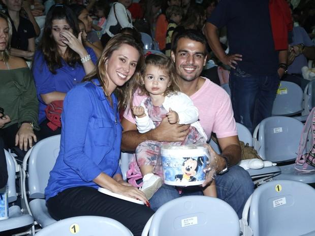Dani Monteiro com a familia (Foto: Roberto Filho / AgNews)