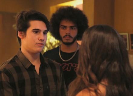Rodrigo e Pedro brigam por causa de Luciana