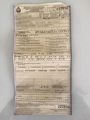 Motorista foi multado por estar 'dirigindo comendo bala' (Foto: Arquivo Pessoal)