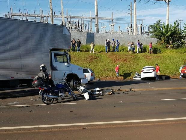 Trecho chegou a ficar interditado durante o atendimento das vítimas do acidente na PR-444 (Foto: Portal Agora/Divulgação)