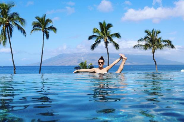 Lea Michele curte féria no Havai  (Foto: Reprodução/Instagram)