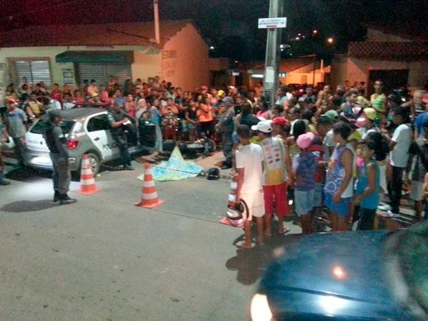 Crime aconteceu no Centro de Macaíba no início da tarde desta quarta (Foto: Kléber Teixeira/Inter TV Cabugi)