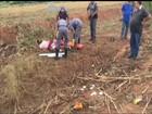 Motorista sofre fraturas após capotar carro roubado em Mineiros do Tietê