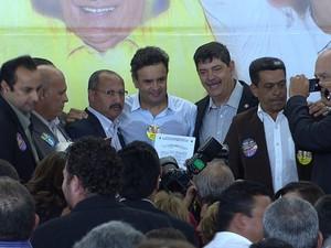 Aécio Neves participa de encontro com lideranças do PSDB. (Foto: Reprodução/TV Globo)