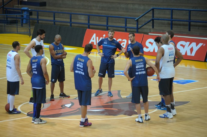 Técnico Bruno Savignani terá todo o elenco do Brasília à disposição para jogo com o Minas (Foto: Brito Júnior / UniCeub)
