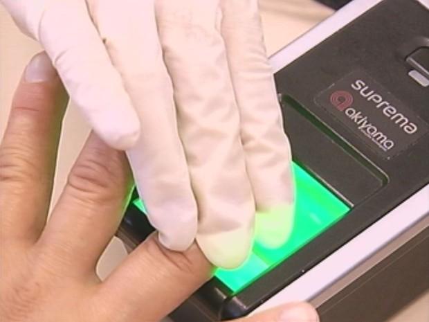 Cadastro biométrico deve facilitar votação (Foto: Reprodução / TV TEM)