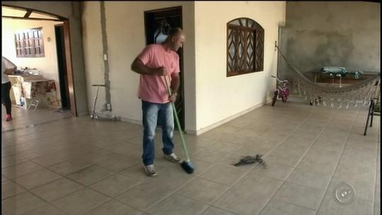 Fuligem preta 'infesta' bairro em Cerqueira César e moradores culpam empresa