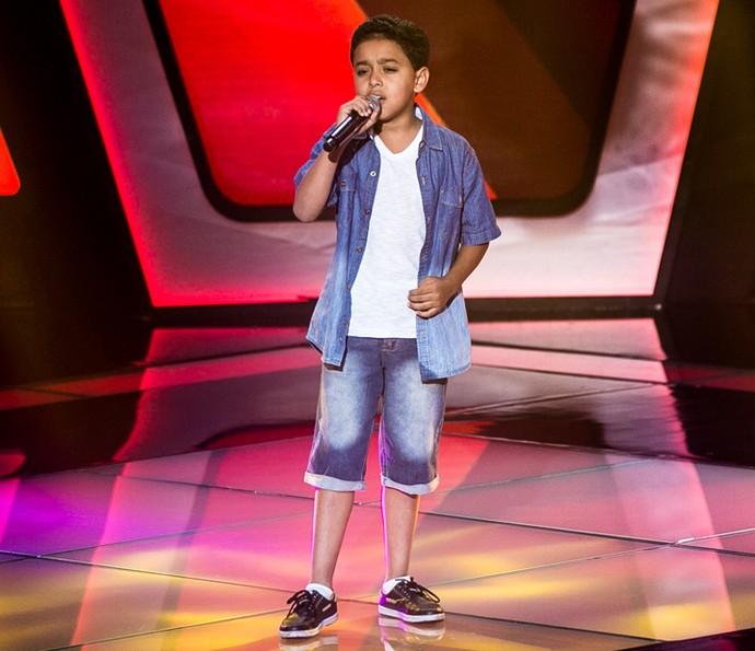 Igor Silveira canta 'Corazón Espinado' nas Audições do The Voice Kids (Foto: Isabella Pinheiro/Gshow)