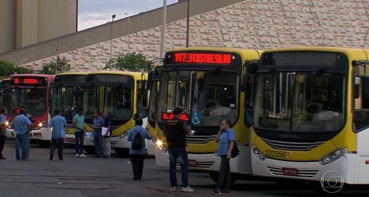 ônibus no DF (Adneison Severiano/G1 AM)