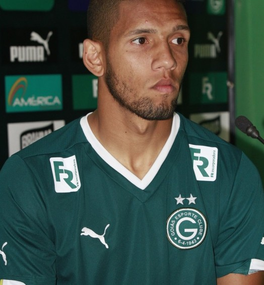 se salvou (Rosiron Rodrigues / Goiás E.C.)
