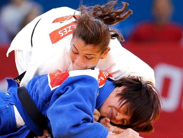 Sarah Menezes na luta de judô em Londres Olimpíadas (Foto: Reuters)