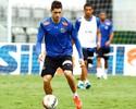 Sem espaço, Miralles é liberado de treino e pode deixar Santos