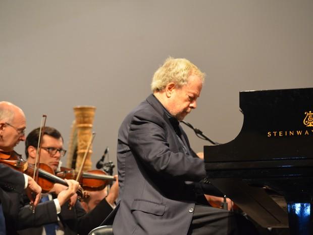 Nelson Freire se apresenta ao lado da Filarmônica de Minas Gerais em Boa Esperança (Foto: Samantha Silva / G1)