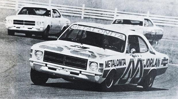 Os pilotos Alencar Jr#3, Raul Boesel#81 e Affono Giaffone#26 na disputa por posições em Jacarepaguá (Foto: Divulgação)