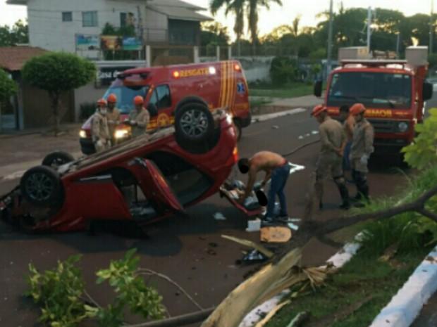 Motorista dispensou atendimento do Corpo de Bombeiros (Foto: Corpo de Bombeiros/Divulgação)