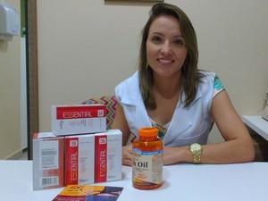 A fisioterapeuta dermato funcional Ana Carolina Almeida diz que o método pode colocar fim ao efeito sanfona (Foto: Janine Brasil/G1)