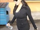 Grávida, Kim Kardashian começa o ano malhando