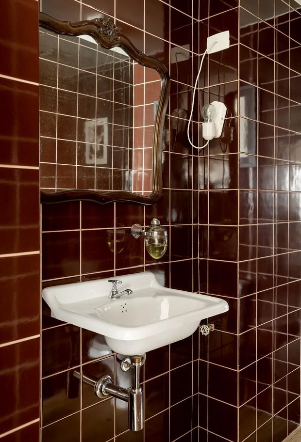 apartamento-decoracao-estudio-vitor-penha-estilo-industrial-concreto-aparente-lavabo (Foto: Edu Castello/Editora Globo)
