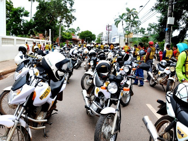 Fiscalização de motoboys e mototaxistas já cameçou (Foto: Eduardo Duarte / G1)