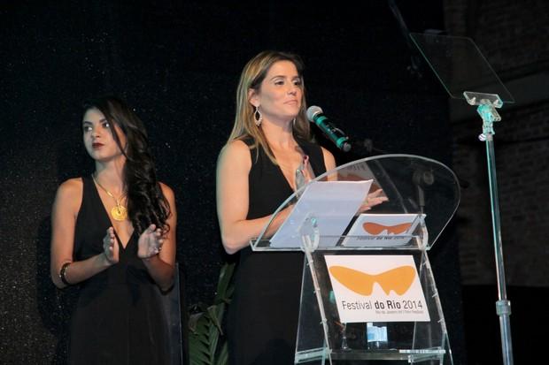 Deborah Secco em prêmio de cinema no Rio (Foto: Felipe Assumpção e Alex Palarea/ Ag. News)
