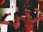 Maria Gadú ousa no decote ao lado da namorada, Lua Leça: 'Femines'