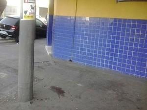 Médico morre após testemunhar explosão de caixa em Uberlândia (Foto: Leandro Moreira/G1)