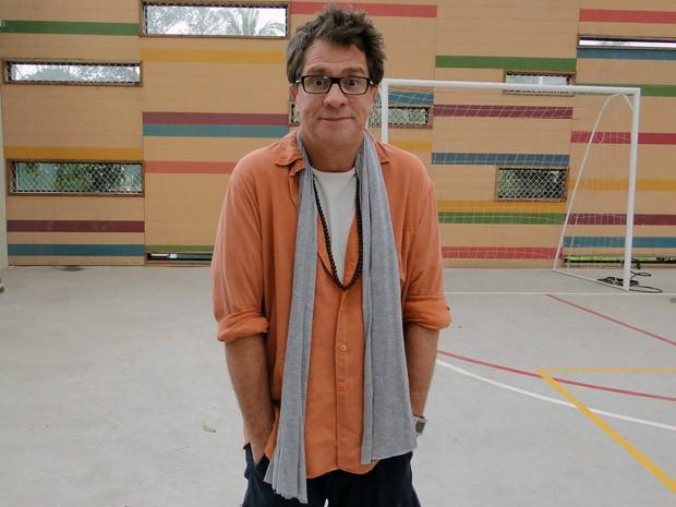 Luis Salém é um diretor de teatro que causa a maior confusão no Quadrante (Foto: Malhação / TV Globo)