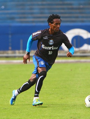 Z&#233; Roberto fez primeiro coletivo pelo Gr&#234;mio (Foto: Lucas Uebel/Divulga&#231;&#227;o, Gr&#234;mio)