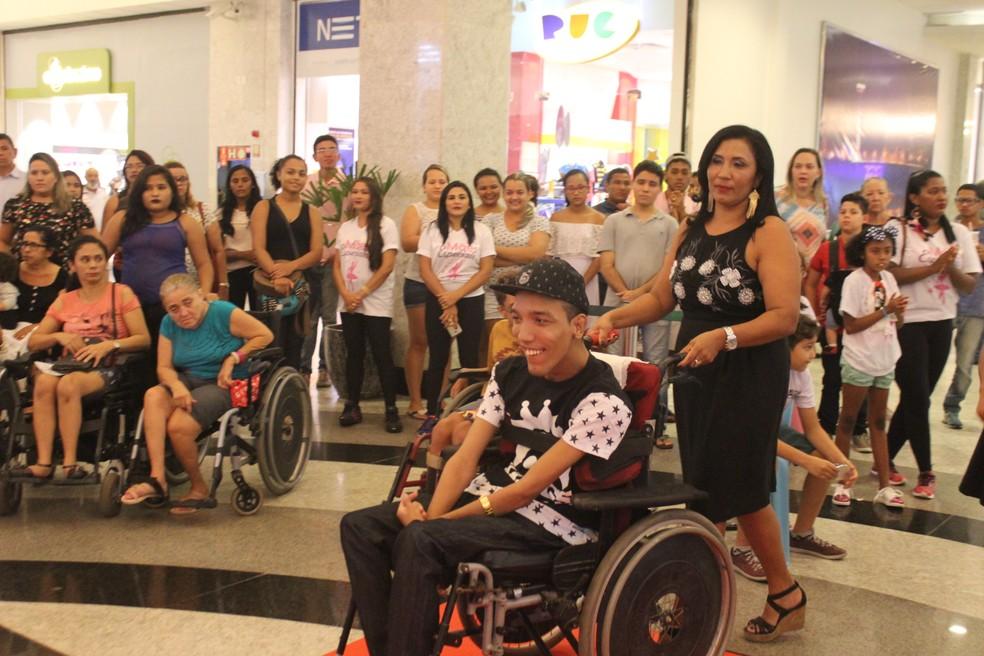 Desfile Mães Especiais em Teresina (Foto: Samantha Araújo/G1 PI)