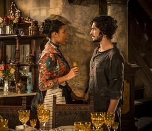 Sophie e Miguel discutem a relação (Foto: Inácio Moraes/ Gshow)
