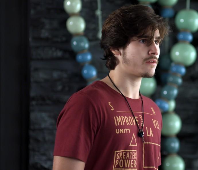Zac fica surpreso ao ver Léo (Foto: TV Globo)