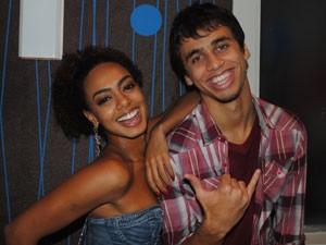A parada vai ser dura, mas os dois torcem para o casal (Foto: Malhação / Tv Globo)